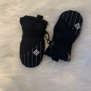 3/$20 Columbia mittens/gloves infants one size